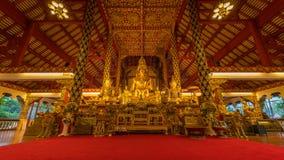 Inom templet av Wat Suan Dok royaltyfria bilder