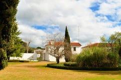 Inom trädgården av den hertigliga slotten av Vila Viçosa royaltyfria foton