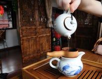 Inomhus av ett kinesiskt tehus Arkivbilder