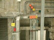 Inomhus elektrisk panelvägg royaltyfria foton