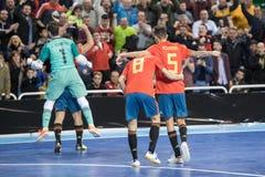 Inomhus footsal match av landslag av Spanien och Brasilien på den Multiusos paviljongen av Caceres royaltyfria bilder