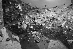 Inomhus kondition, idrotts- man som har aktiv klättringgenomkörare arkivbilder