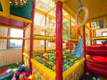 Inomhus lekplats för barn Arkivfoto