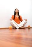 inomhus meditation royaltyfri bild