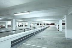 Inomhus parkeringsplats fotografering för bildbyråer