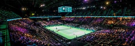 Inomhus stadion för överblick för tennisturnering Royaltyfri Bild