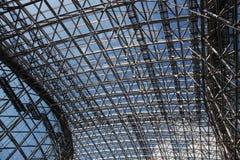 Inomhus tak för metall arkivfoton