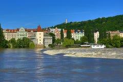 Inondant à Prague en juin 2013, Moldau, château, Prague, République Tchèque Image stock
