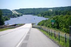 Inondation de fleuve de des Moines au-dessus de l'artère 30 des USA Images libres de droits