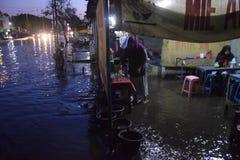 Inondation de Rob dans la région de Semarang Kaligawe Photo libre de droits