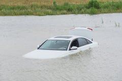 Inondation de voiture de marais image stock