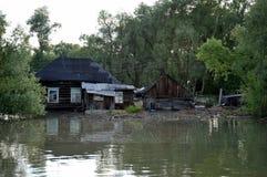Inondation La rivière Ob, qui a émergé des rivages, en crue les périphéries de la ville Photo libre de droits