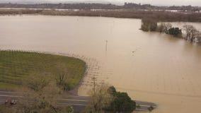 Inondation russe de rivière Le comté de Sonoma, CA le 27 février 2019 banque de vidéos