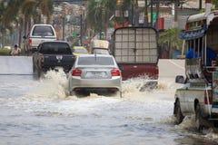 Inondation sur la rue près du marché dans le site industriel d'unité centrale de coup Photos stock