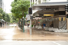 Inondations de Brisbane : Rue de George Photo stock