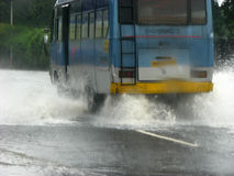 Inondations de bus Images stock