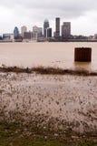 inondazione del centro del fiume Ohio dell'orizzonte della città di Louisville Kentucky Fotografie Stock Libere da Diritti