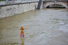 inondazione a Parigi Immagini Stock Libere da Diritti