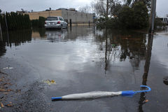 Inondazione serio nella zona resedential Immagini Stock Libere da Diritti