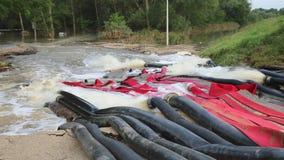 Inondazioni di pompaggio archivi video