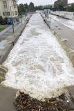 Inondazioni Praga giugno 2013 - straripamento della serratura dell'isola di Stvanice Immagine Stock