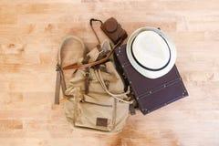 Inpackning av en resväska för en tur arkivfoton
