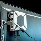 Input/Output Platte auf der Rückseite eines LCD-/LED-Fernsehens lizenzfreie stockbilder