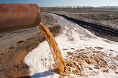 Inquinamento del fiume Fotografia Stock