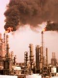 Inquinamento della raffineria Fotografie Stock