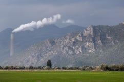 Inquinamento di ecologia E r Fondo del paesaggio fotografie stock