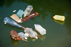 Inquinamento di plastica fotografia stock