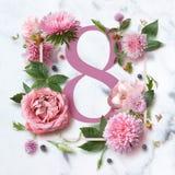Inrama med rosa blommor Arkivfoton