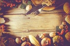 Inrama tacksägelsen, tacksägelsebakgrund, hösten, ramen, kopieringsutrymme, bästa sikt fotografering för bildbyråer