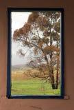inramnintt fönster arkivfoton