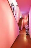 inre älskvärd stilvilla för klassisk korridor royaltyfria bilder