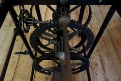 Inre arbeten av den gamla klockan för klockatorn Royaltyfria Bilder