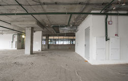 Inre av affärsmitten under konstruktion Arkivbild