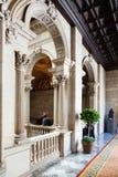 Inre av av Ajuntament de Barcelona i Barcelona, Catalonia Royaltyfri Foto