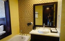 Inre av badrummet i lyxigt hotell Fotografering för Bildbyråer