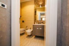 Inre av badrummet tolkning 3D av ett kontorsutrymme Badrum i aet Fotografering för Bildbyråer