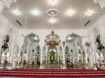 Inre av Baiturrahman den storslagna moskén Banda Aceh royaltyfri fotografi