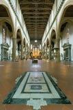 Inre av basilikan av Santa Croce i Florence, Italien Royaltyfri Bild
