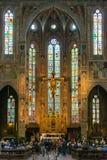 Inre av basilikan av Santa Croce i Florence, Italien Arkivfoton