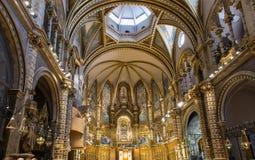 Inre av basilikan i abbotskloster av Montserrat nära Barcelona, i Catalonia Arkivfoto