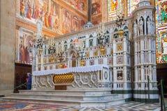Inre av basilikan av Santa Maria Novella i Florence, Italien Royaltyfri Bild