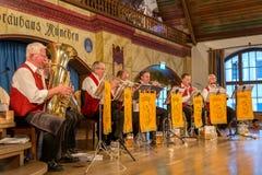 Inre av berömda Hofbrauhaus - Munich, Tyskland Arkivfoton