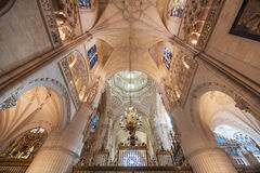 Inre av Burgos för berömd gränsmärke den gotiska domkyrkan Royaltyfria Bilder
