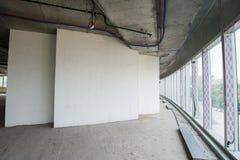 Inre av byggnaden under konstruktion Arkivfoto
