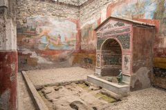 Inre av Casadellaen Fontana Piccola, Pompeii, Italien Royaltyfria Bilder