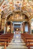 Inre av Chiesa di San Lorenzo i Palatio annonshelgedomar Sanctorum i Rome italy royaltyfri foto
